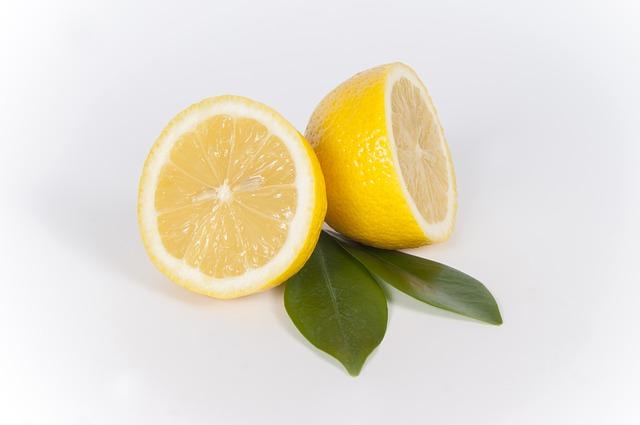 Cytryna - owoc pomocny przy eko sprzątaniu